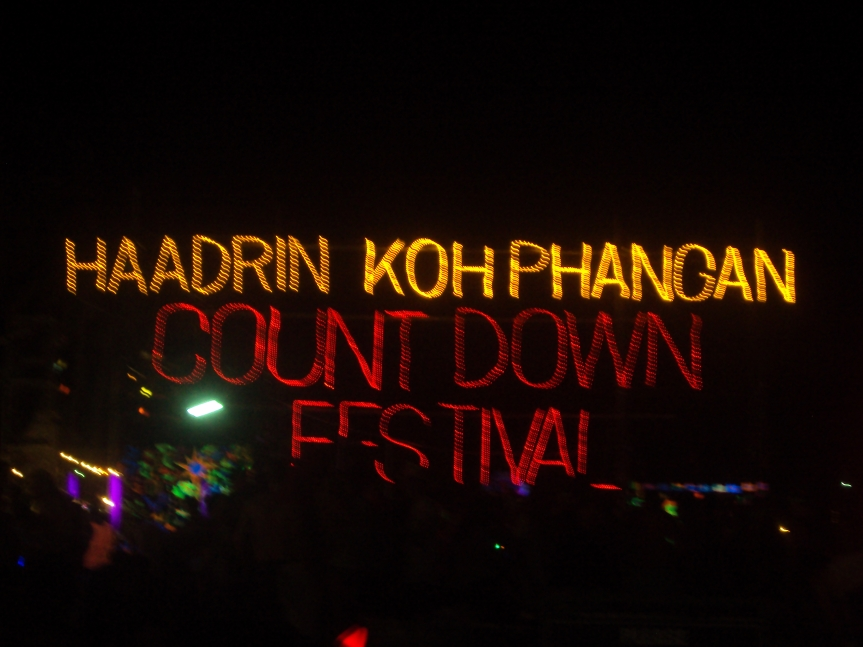 15 things guaranteed to happen at every full moon party…
